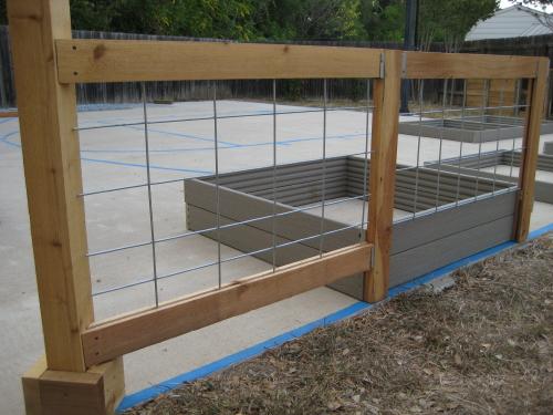 Fence slot